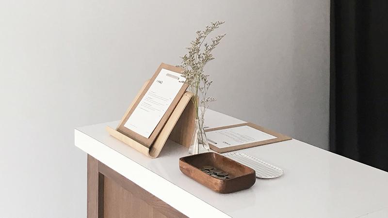 wooden-ipad-holder